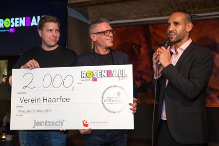 Rosenball Spendenübergabe
