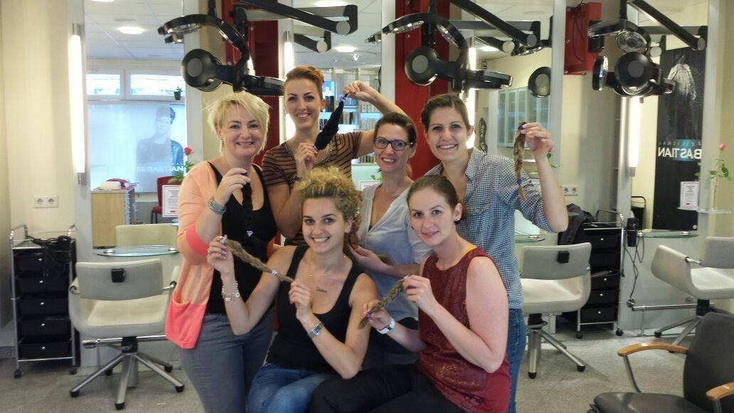 Team Schammra mit Haarspenden